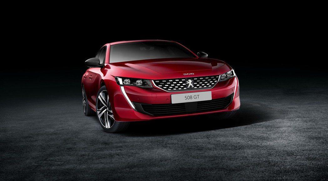 全新Peugeot 508車頭霸氣十足。 摘自Peugeot