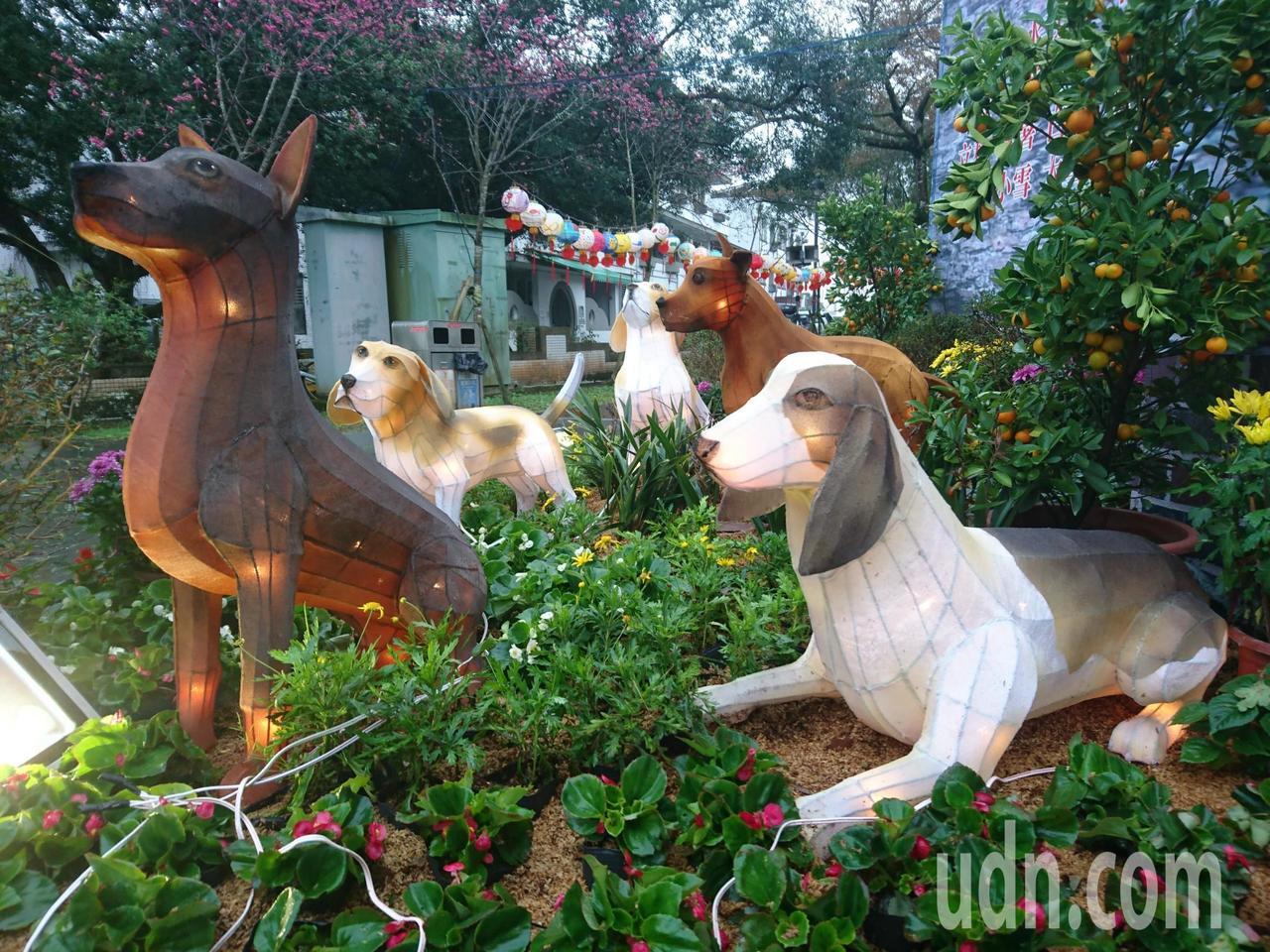 睽違3年的宜蘭縣員山燈會明晚7點點燈,為期7天,燈飾工藝巧,不僅晚上美,白天都令...