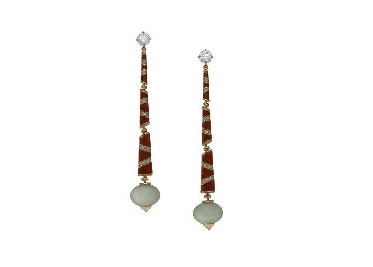 BVLGARI頂級翡翠與鑽石耳環,約3,086,000元。圖/BVLGARI提供