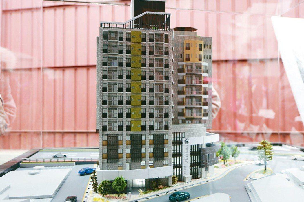 新北市中正橋派出所及青年社會住宅預計明年底完工,圖為模型。 記者王敏旭/攝影