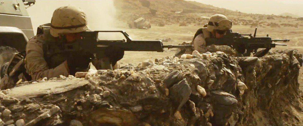 「英勇勳章」敘述西班牙部隊在阿富汗的反恐任務。圖/向洋影業提供
