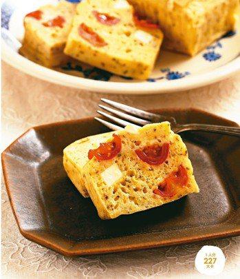 高麗菜番茄起士蛋糕 照片:三采文化/提供