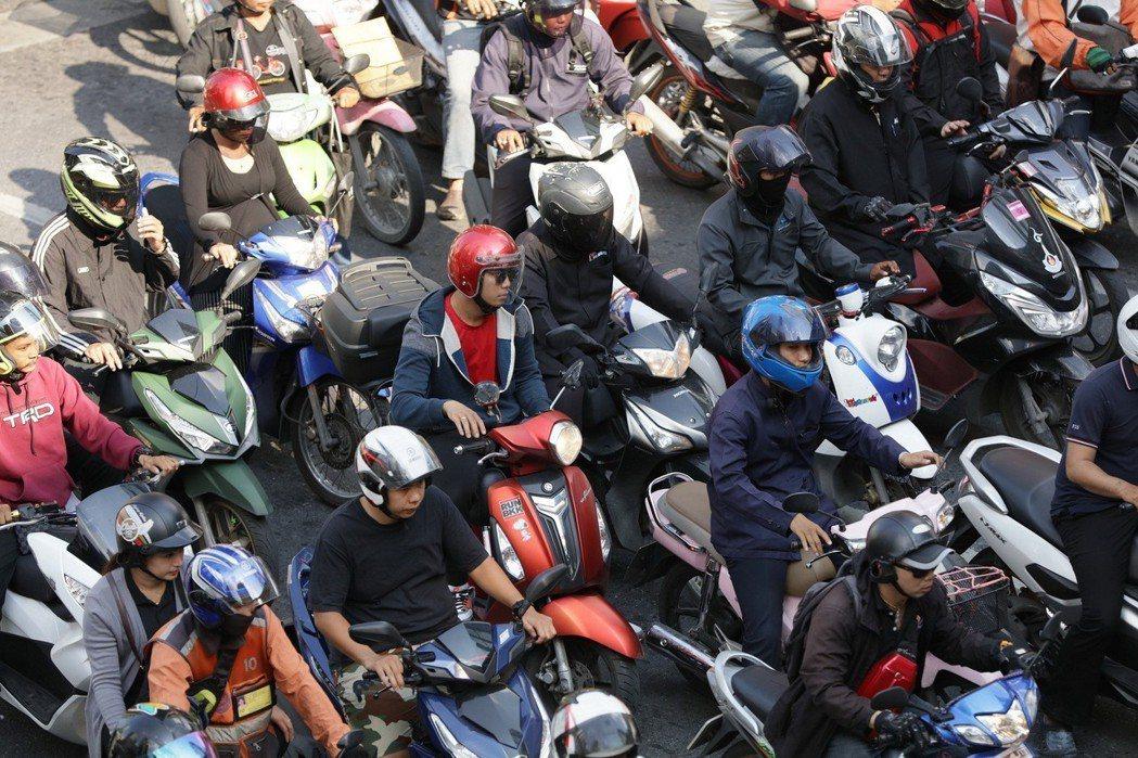 在許多亞洲國家的城市中,機車以方便、經濟且機動性高的特性,成為重要的交通移動工具。 圖/Ford提供