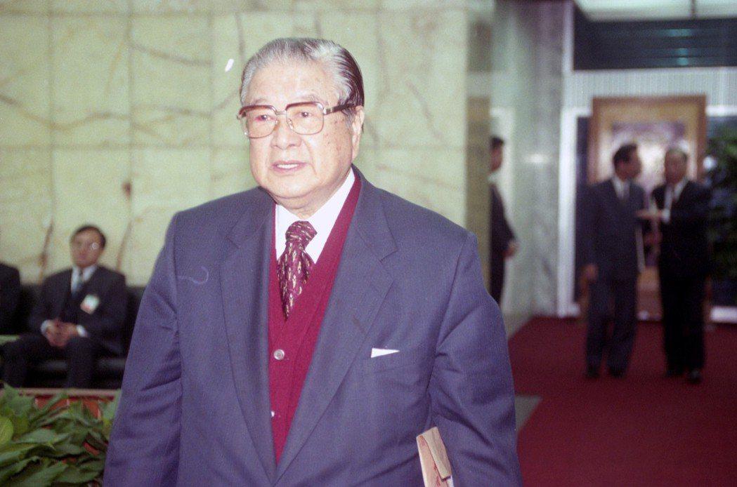 1978年美國與台灣斷交,蔣彥士臨危受命出任外交部長,在對美關係上留住了日後台美...