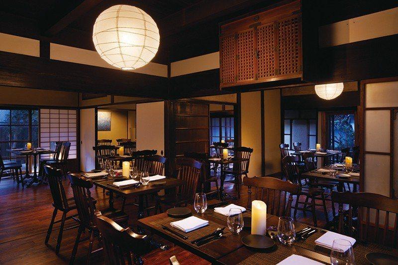 ONAE棟內附設的高級餐廳,嚴選在地食材打造精緻的法式料理。
