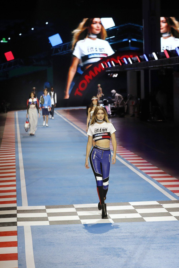 超模Gigi Hadid為自己與Tommy Hilfiger聯名系列開場,呈現9...
