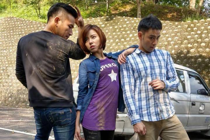 傅子純(左起)、王瞳、潘柏希演出「幸福來了」戲外不時搞笑。圖/摘自臉書
