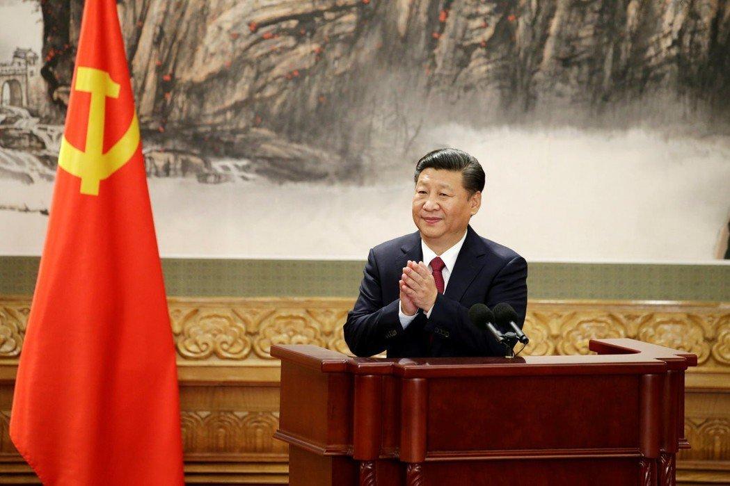 「國家主席」一職其實是虛位元首,真正有實權的是黨的總書記和中央軍委會主席,而這兩...