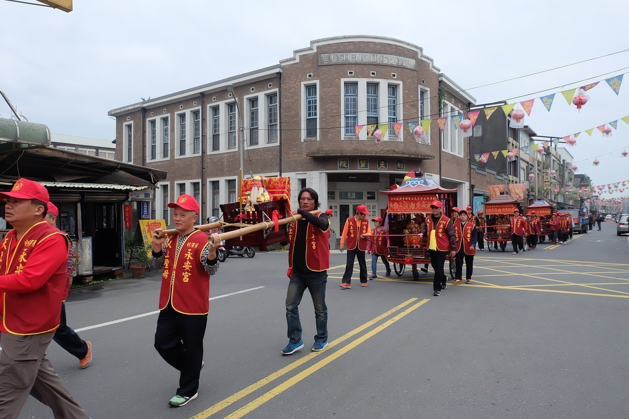 「走尪」是宜蘭五結鄉已登錄的無形文化資產,每年元宵時節,利澤簡媽祖廟永安宮及鄰近...