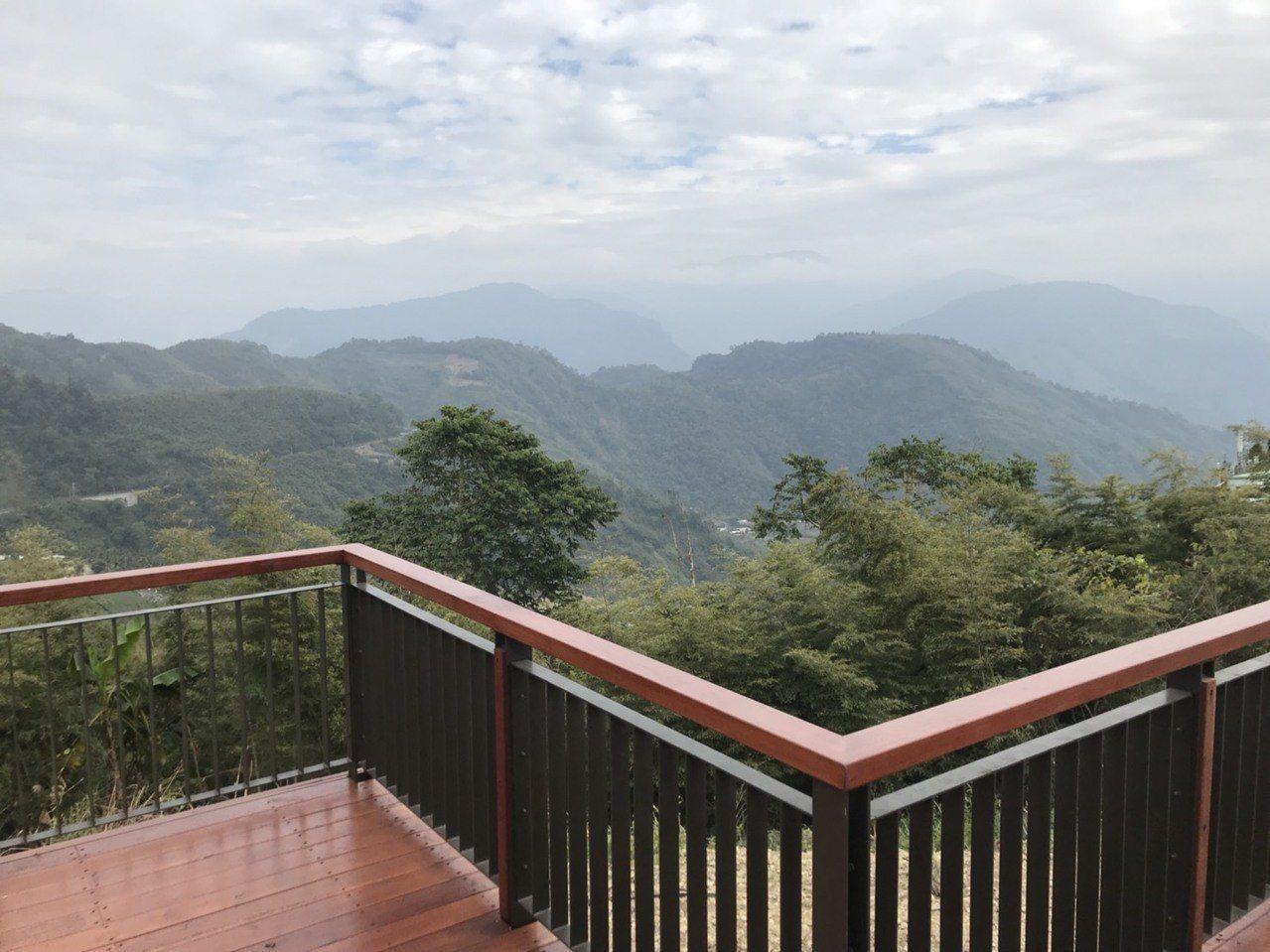 公興村龍美登山健行步道。圖/阿里山管理處提供