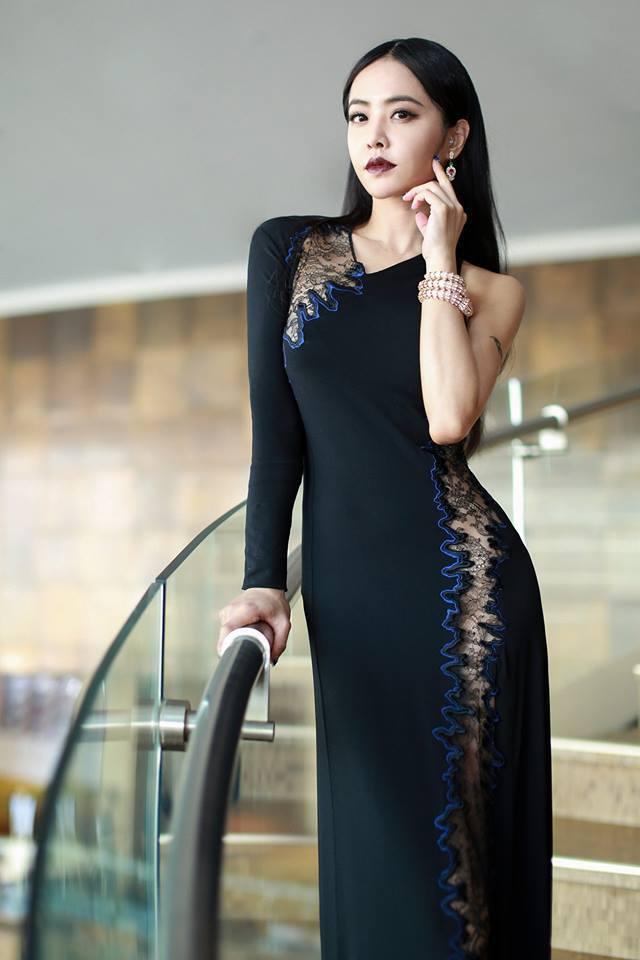 蔡依林的服裝造型成為時尚指標。圖/摘自臉書