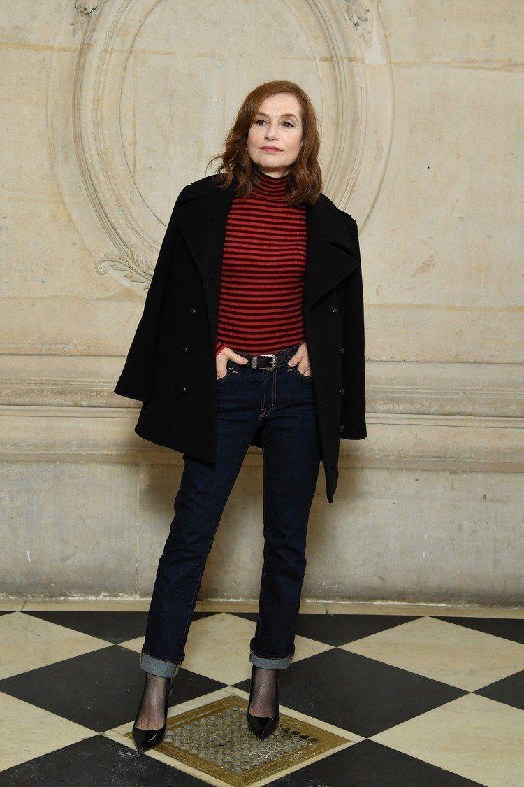 伊莎貝雨蓓的隨性穿搭很有Dior展現自我的精神。圖/Dior提供