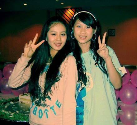 劉詩詩(左)青澀舊照曝光。圖/摘自微博