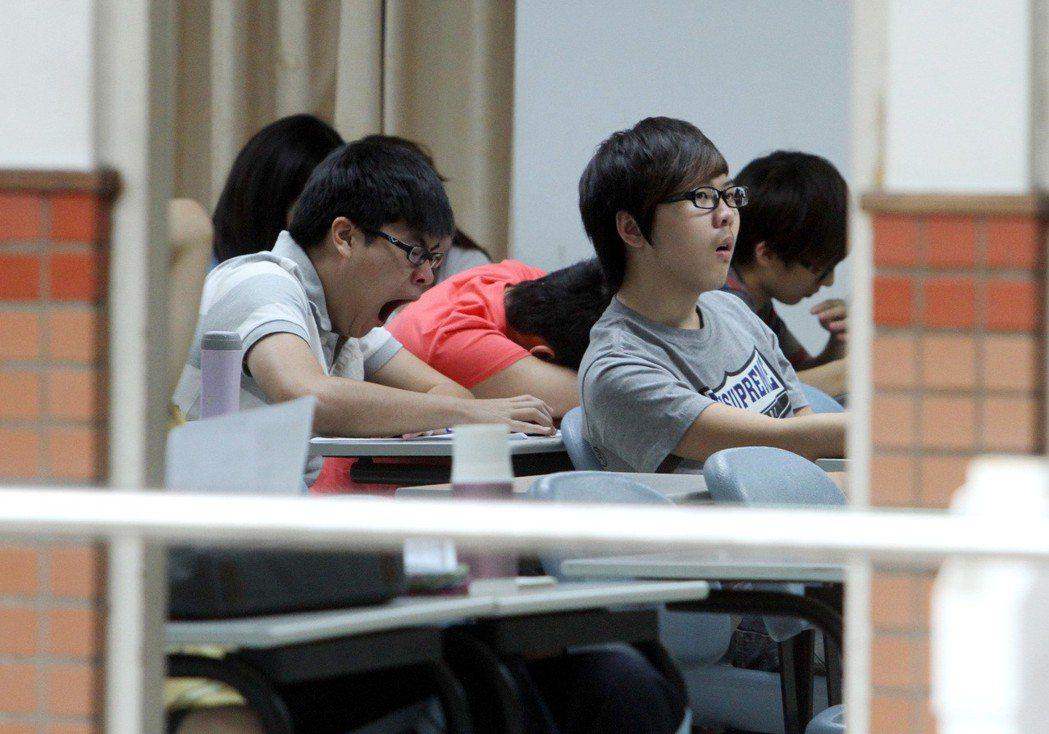 大學生上課情形。聯合報系資料照/記者曾吉松攝影