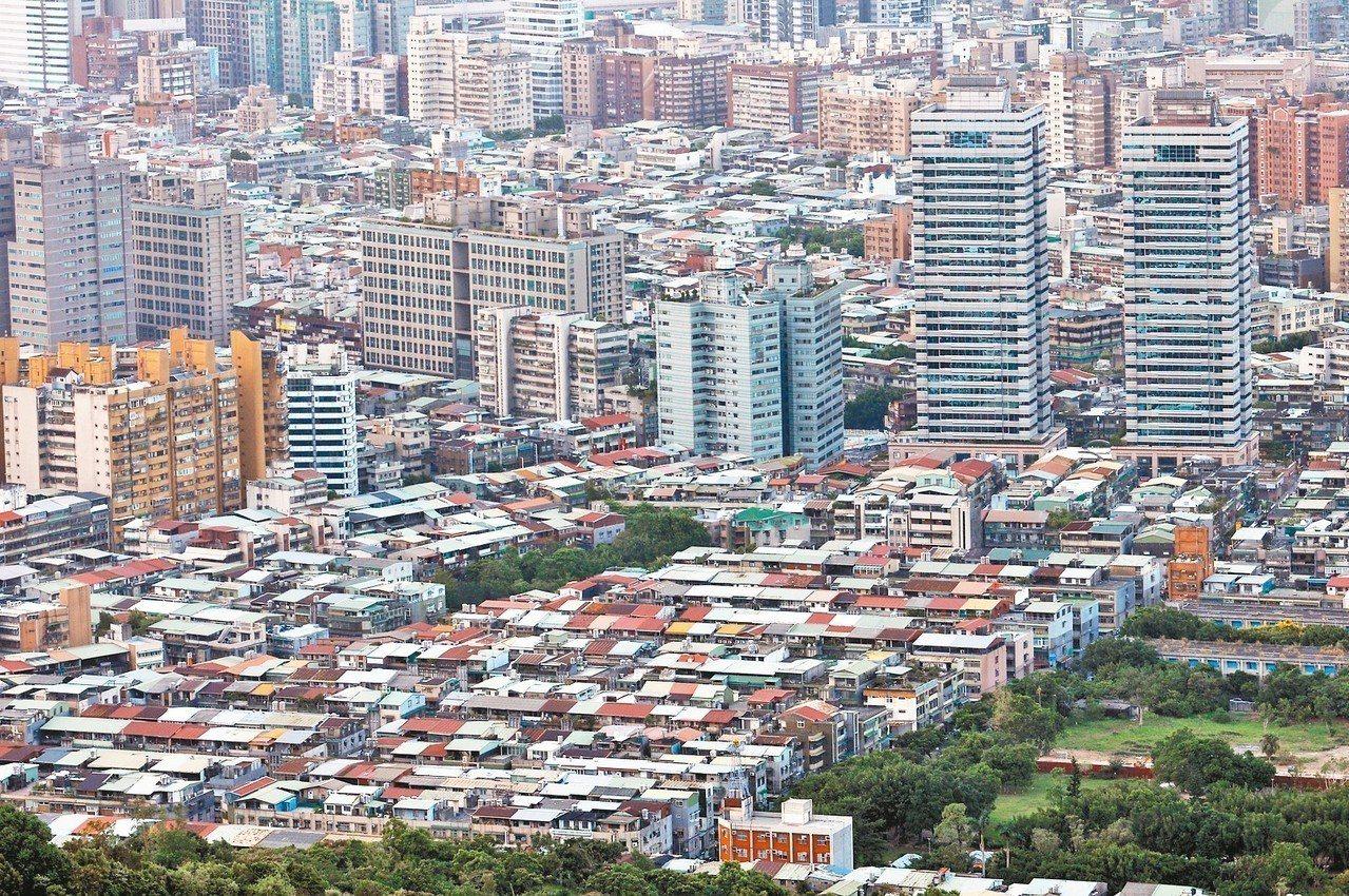 住展雜誌統計,大台北近五年來,平均每年都更老屋戶數約907戶,按此速度計算,大台...