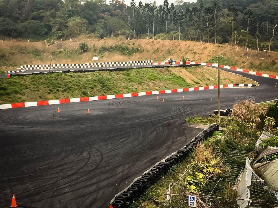 亞哥花園過去於2008年歇業,最近園區停車場已改造成為賽車場。圖片來源/臉書