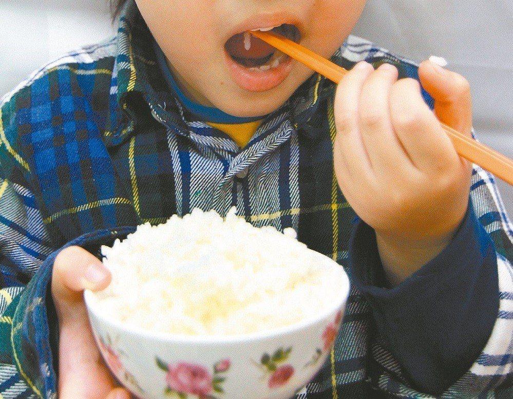 米飯是華人主食。報系資料照