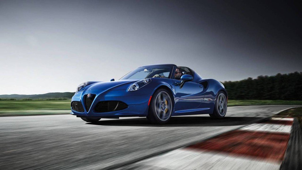 4C Italia Spider 義大利上空美人。 摘自Alfa Romeo