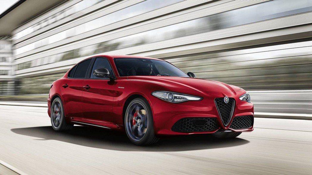 Giulia Veloce Ti 外觀與一般版本相差不遠。 摘自Alfa Romeo