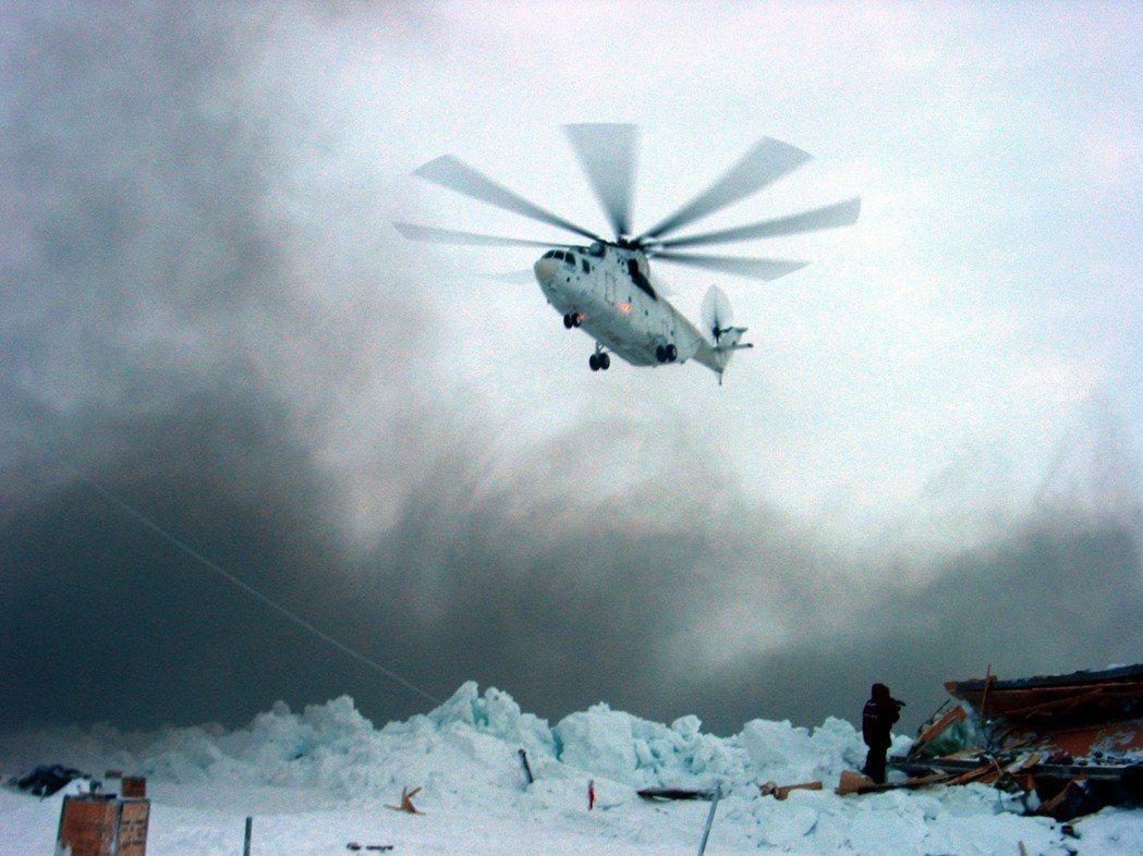 圖為俄羅斯的MI-26救災直升機。根據《航空與海上搜救協議》,極圈各國負責特定的...