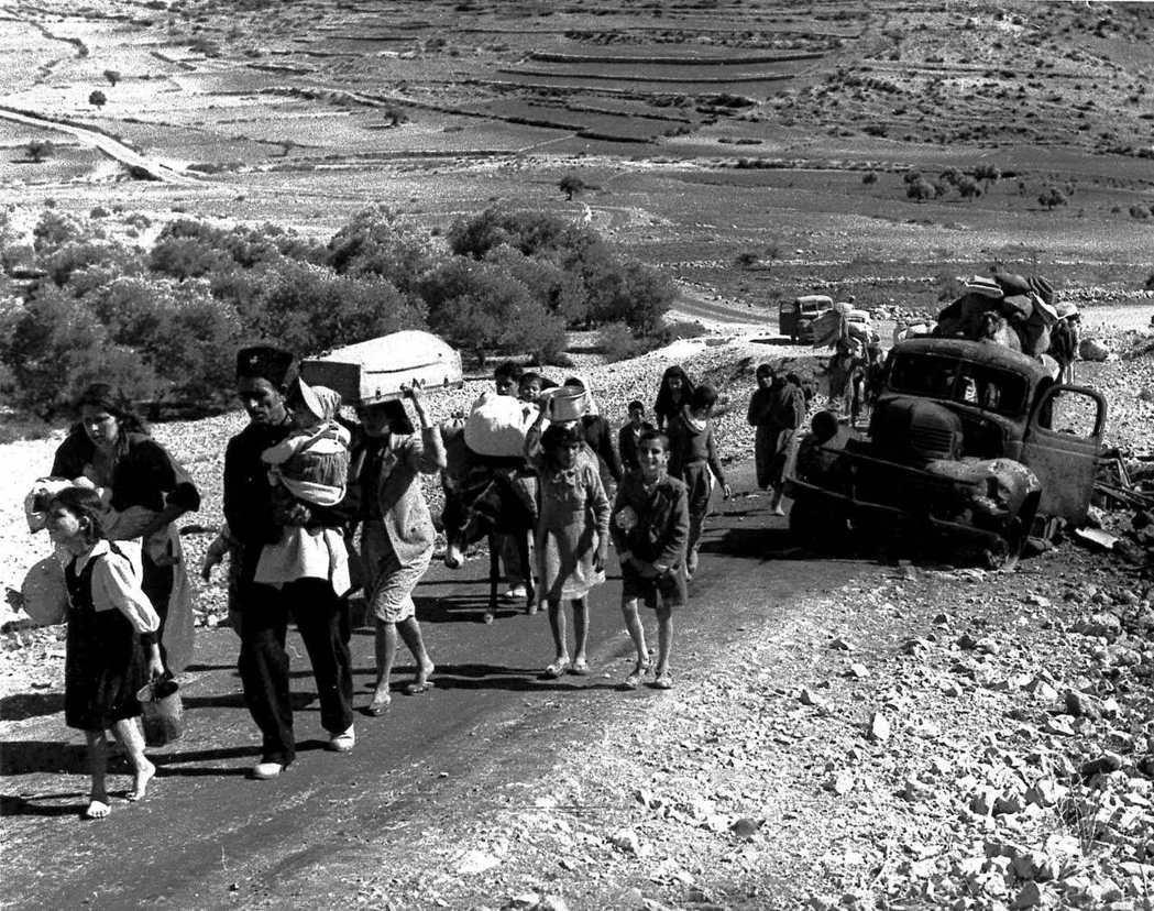 1948年第一次中東戰爭之後,和大量巴勒斯坦難民一起湧入的,還有來自聯合國和美國...