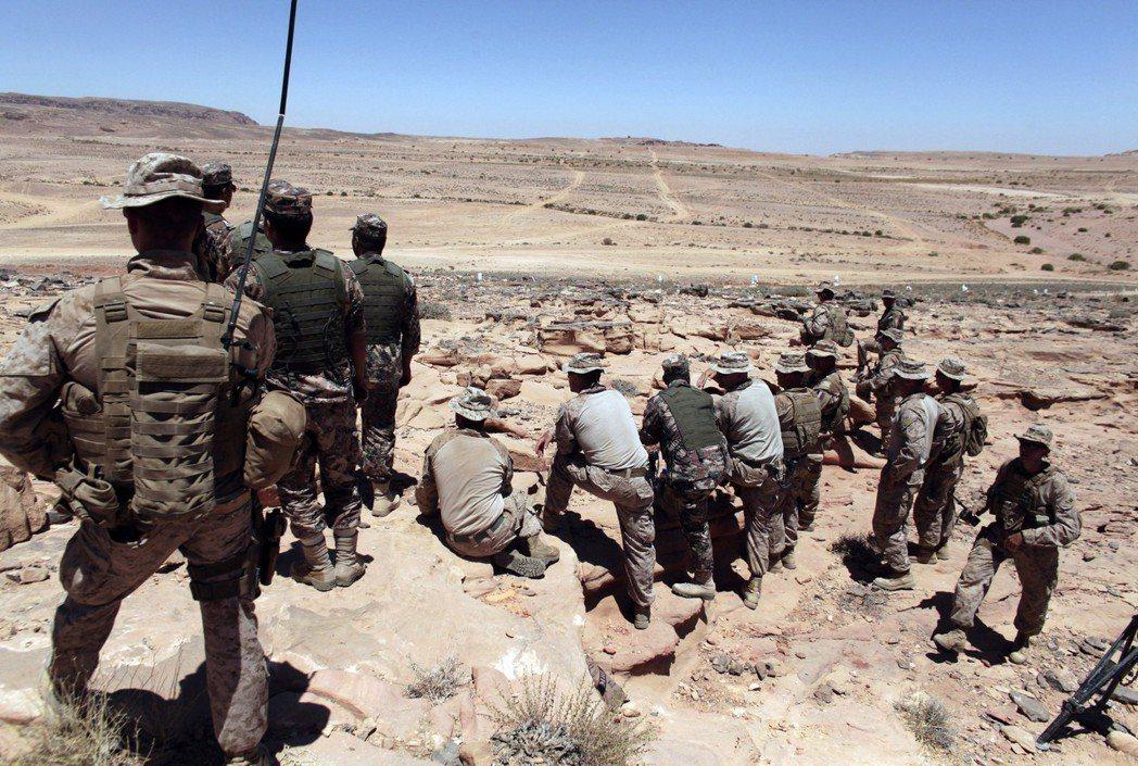 約旦美軍訓練敘利亞反抗軍。 圖/美聯社