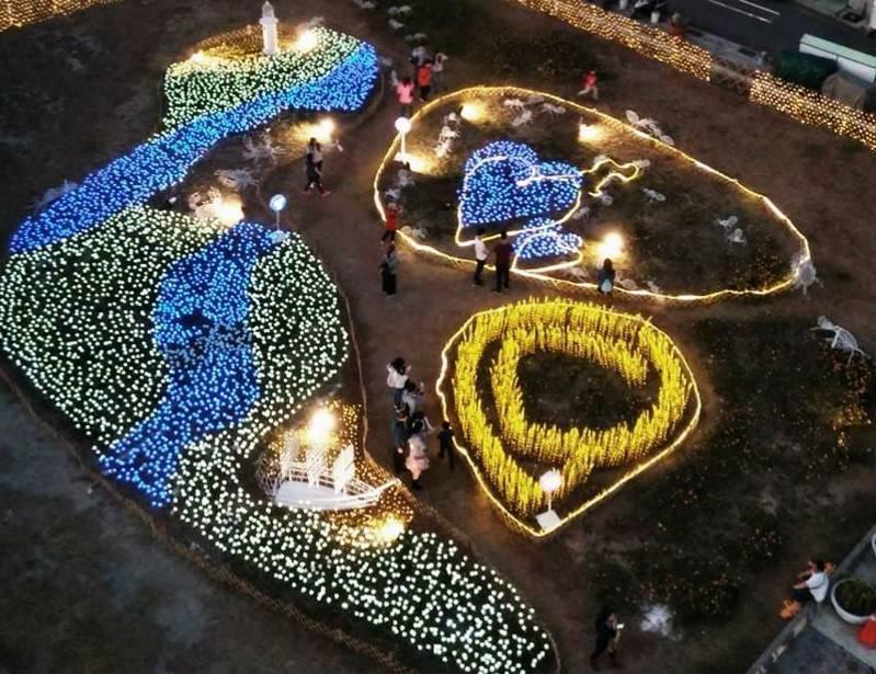 高市觀光局在鼓山LOVE觀景台周圍打造日式庭園景觀,讓前往觀景台登高望高雄市區和高港的遊客多一佇足處。圖/高市觀光局提供