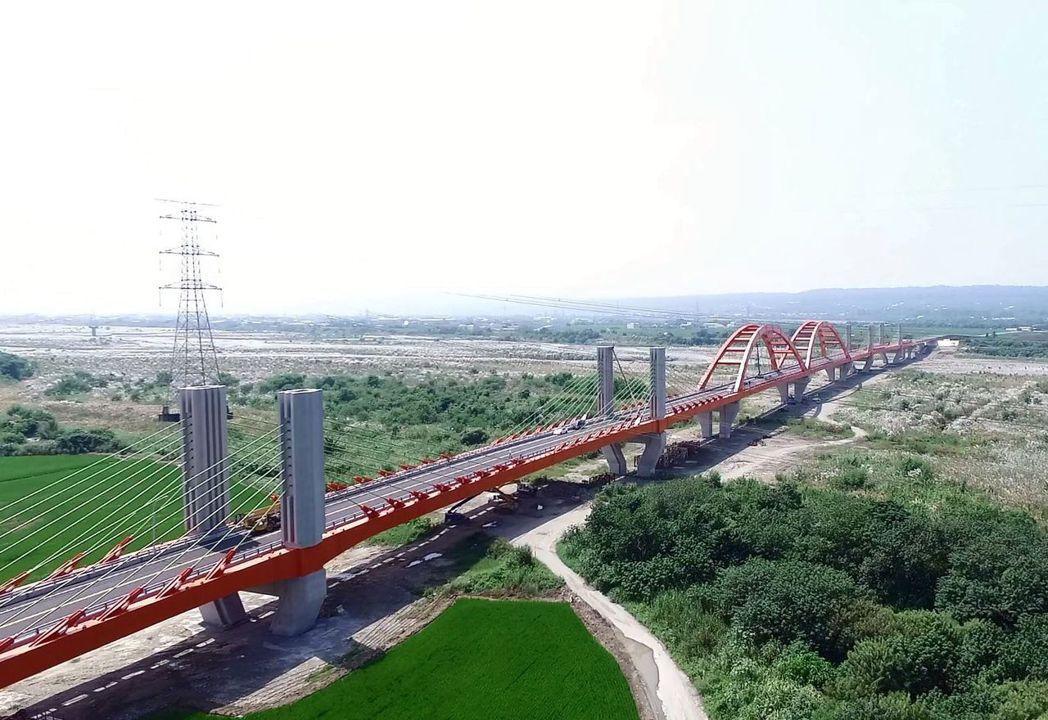 台中市最南端的烏日區溪尾里前年底因溪尾大橋通車後,不再是孤島。圖/台中市政府提供