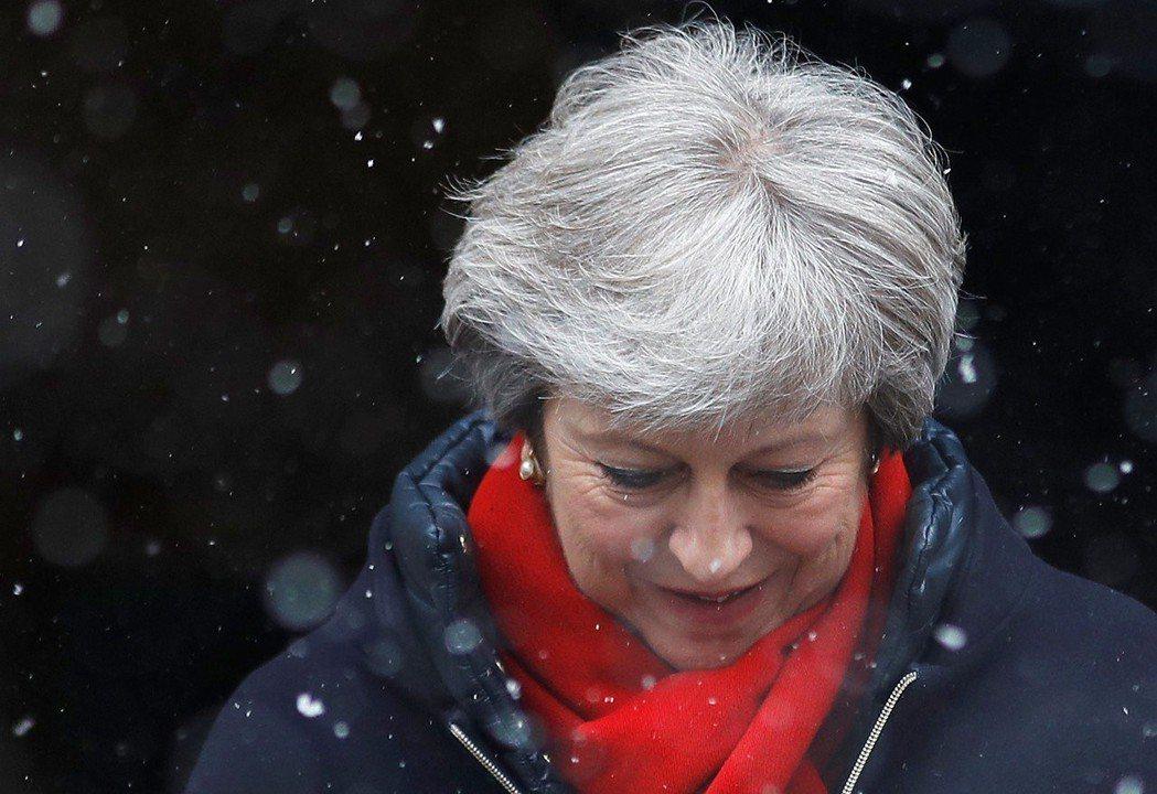 梅伊拒絕歐盟所提脫歐草案,下一步將面臨艱困抉擇。路透