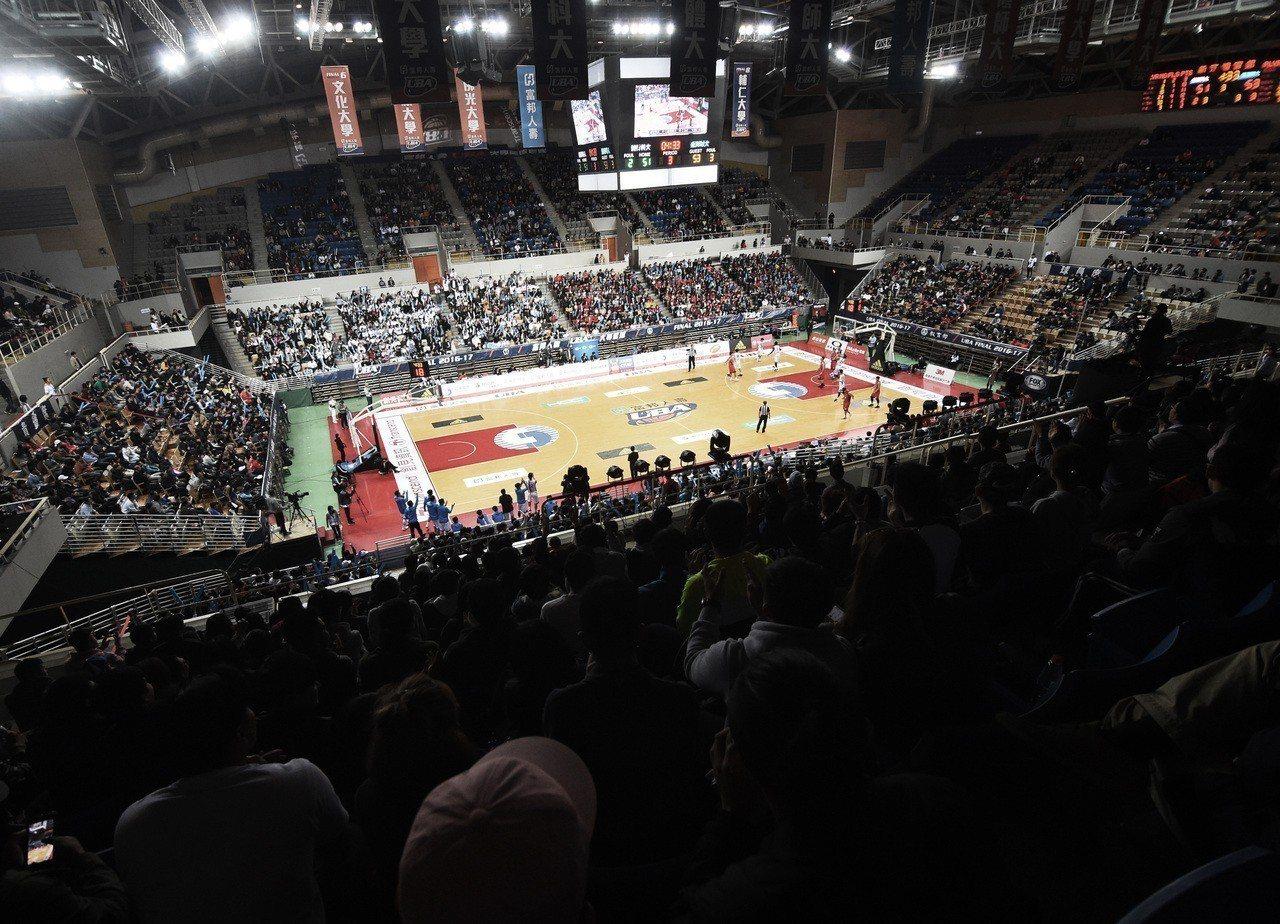 UBA決賽從去年的新莊體育館移師小巨蛋。圖/大專體育總會提供