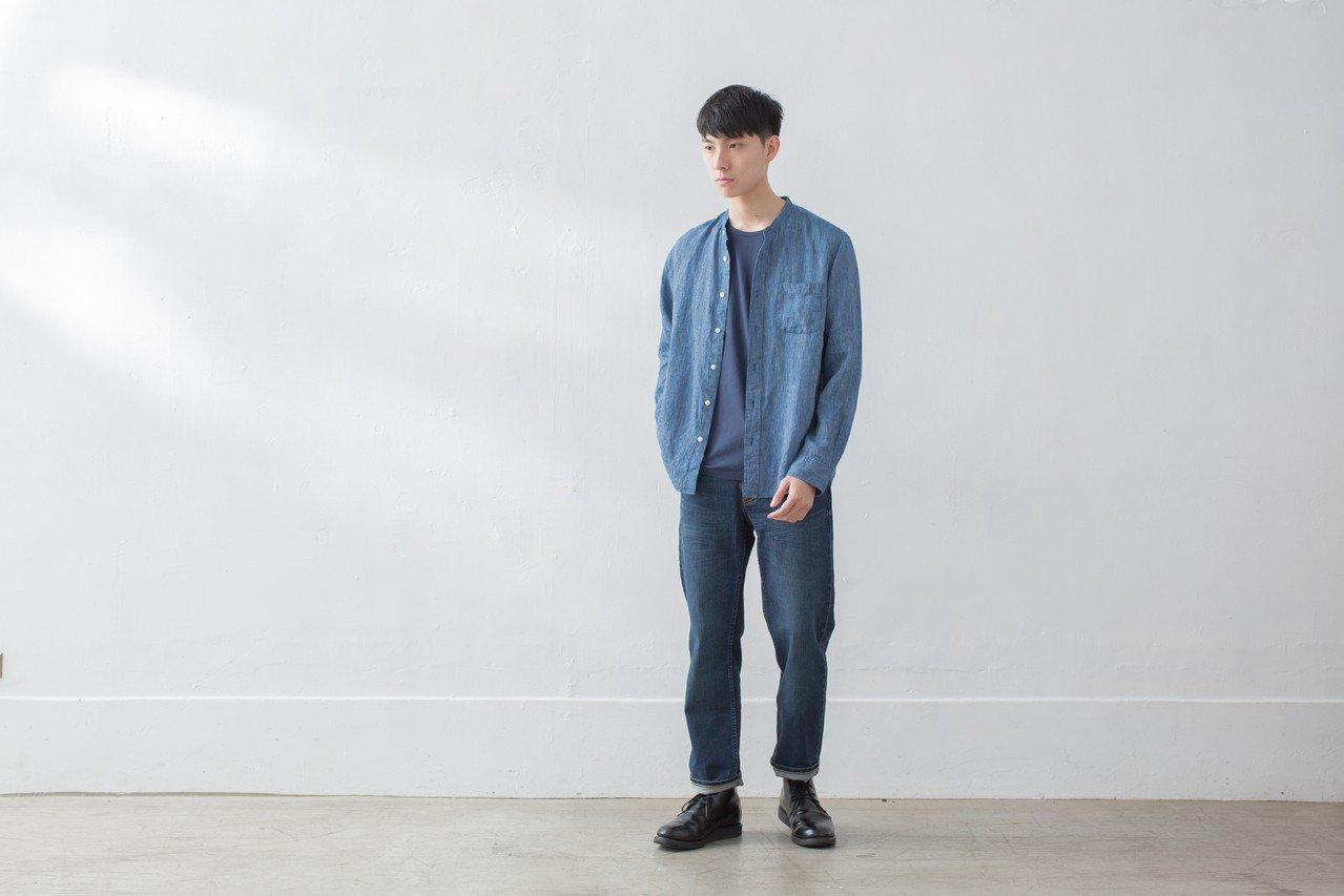男有機棉混彈性丹寧直筒褲,1,390元。圖/無印良品提供