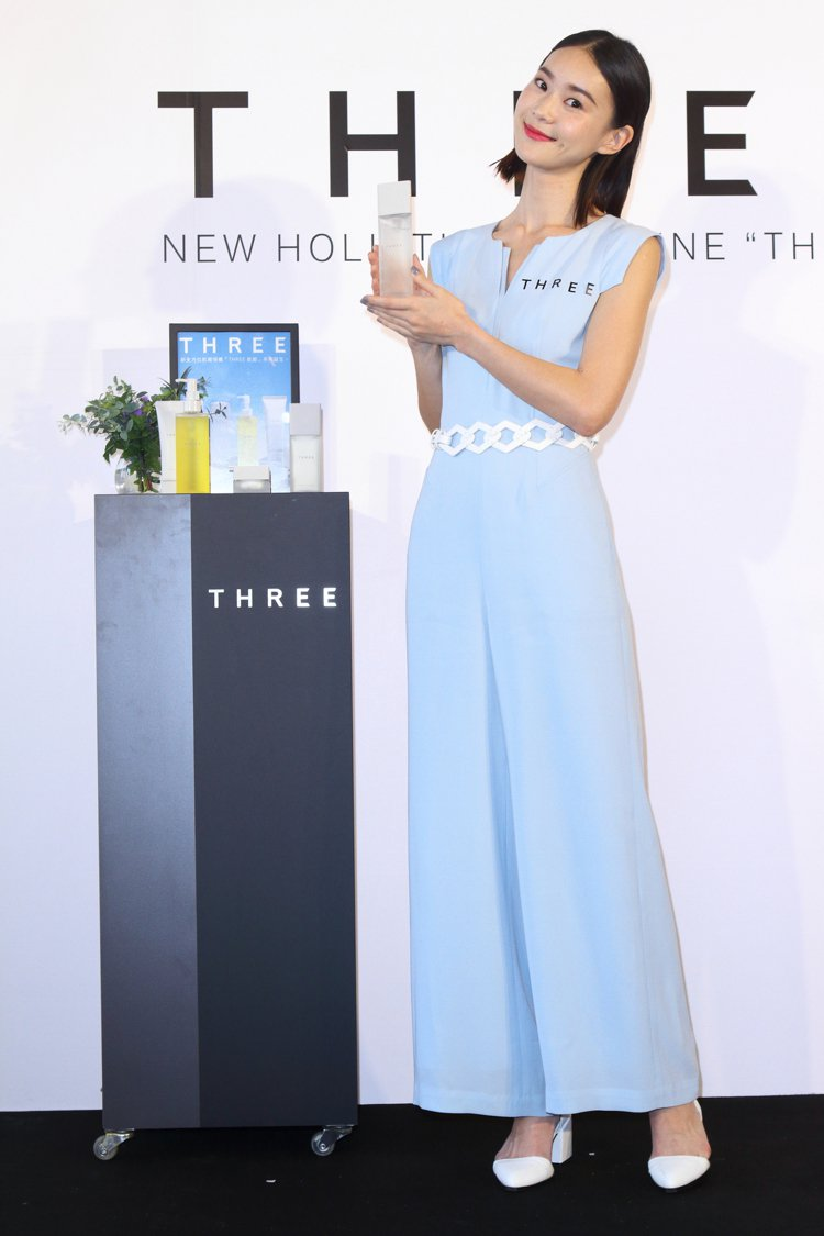 鍾瑶出席THREE全新上市「肌能」系列記者會。圖/THREE提供