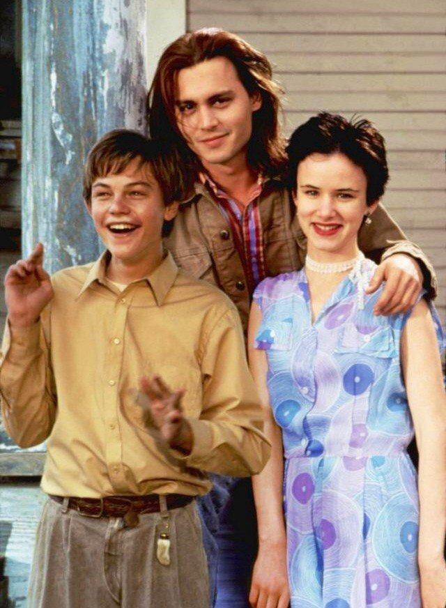 「戀戀情深」中李奧納多狄卡皮歐(左起)、強尼戴普、茱莉葉路易斯有許多對手戲。圖/...