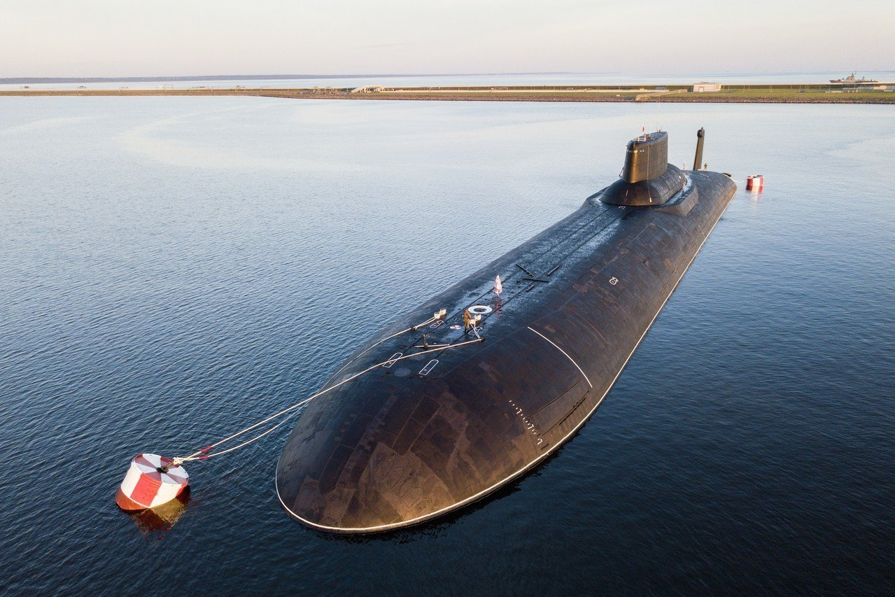 俄國正研發新一代的核子動力水底無人載具,圖為傳統的核潛艦艇Dmitry Dons...
