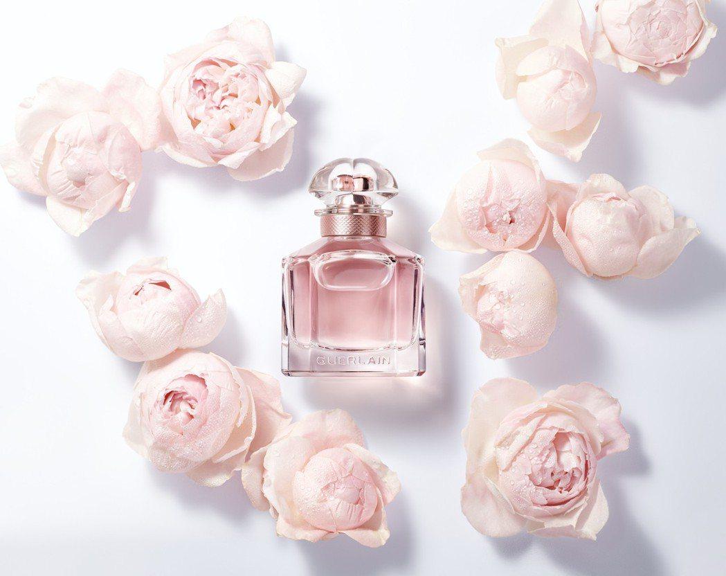 嬌蘭Mon Guerlain我的印記牡丹淡香精強化花香比例,浪漫而詩意。圖/嬌蘭...