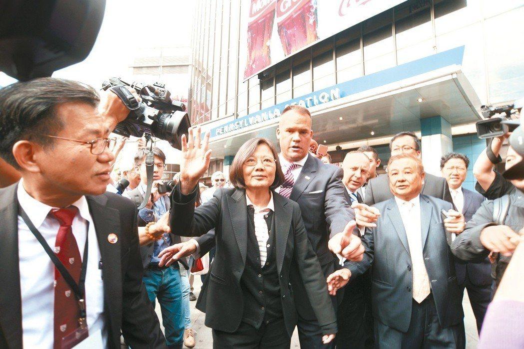 美國聯邦參議院2月28日無異議通過「台灣旅行法」,待美國總統川普簽署後,台美高階...