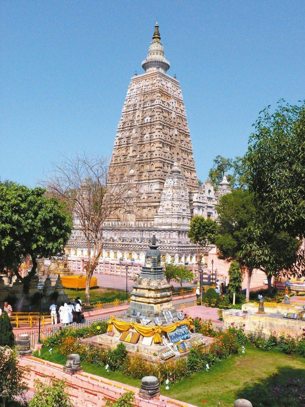 大覺寺內,摩訶菩提塔。