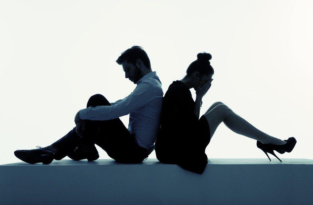 王姓醫師夫妻互告離婚,法官判離。圖/ingimage