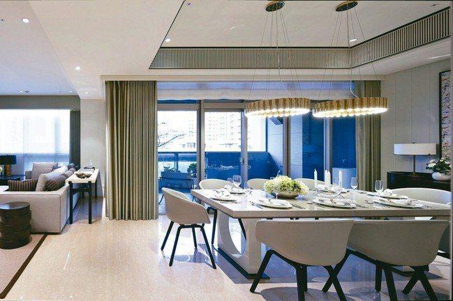 空間寬敞的陽台,能成為生活的休憩場域。 圖/宏舜開發提供