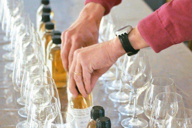 葡萄酒是林裕森一生鑽研的專業。 圖/林裕森提供