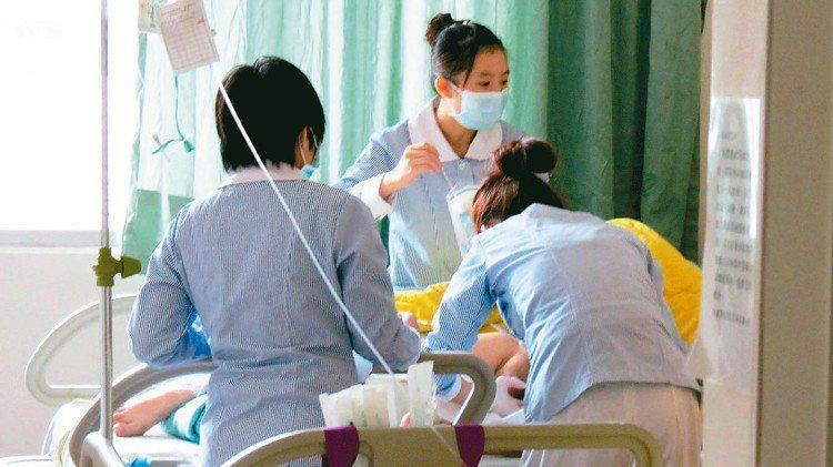 國泰人壽推出亞洲首張癌後醫療專屬保單。 報系資料照