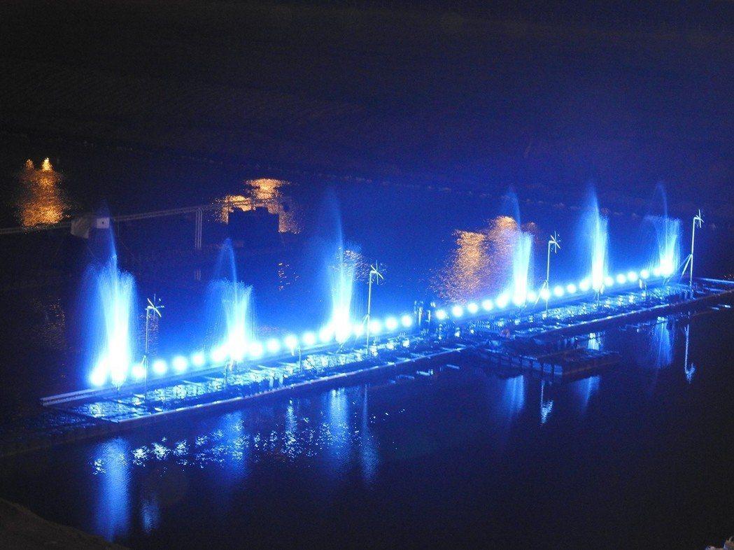 南投燈會能遊賞花燈、沙雕、花海和名偵探柯南展,還有炫爛水舞秀。記者賴香珊/攝影