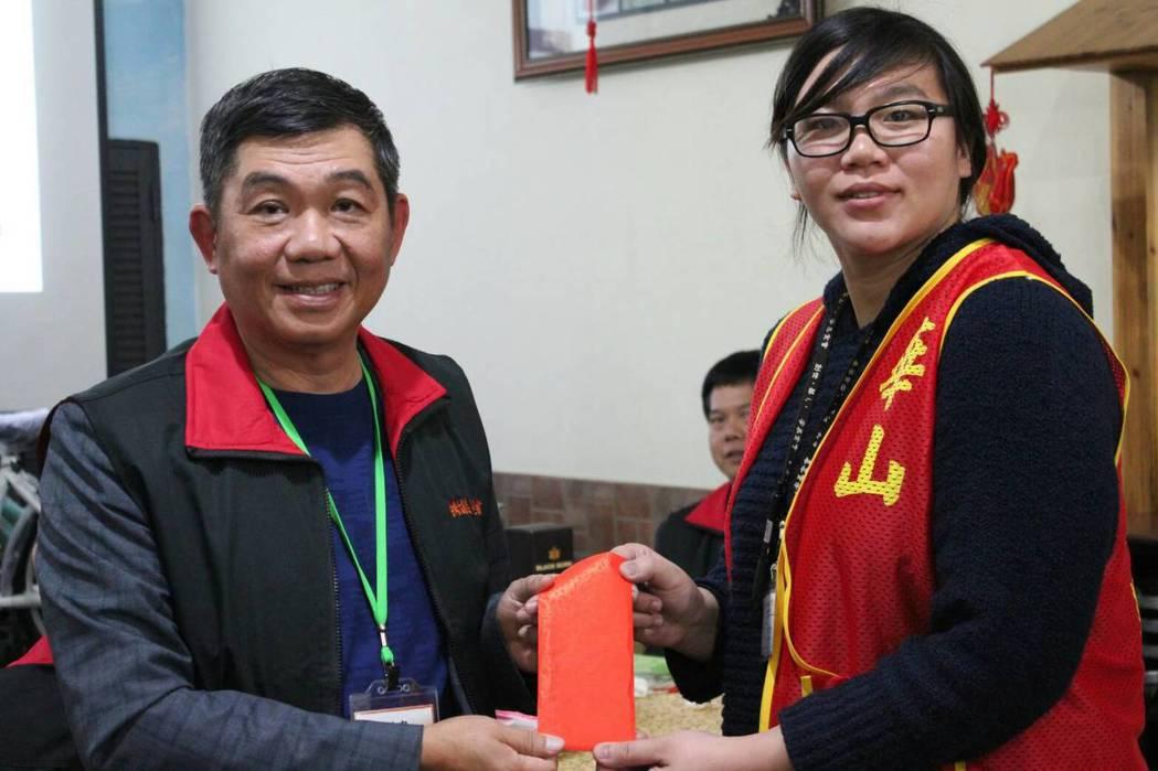 台灣大埔美廠商協進會贊助華山基金會認助長老基金。