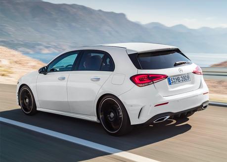 全新Mercedes-AMG A50 衣服越穿越少了