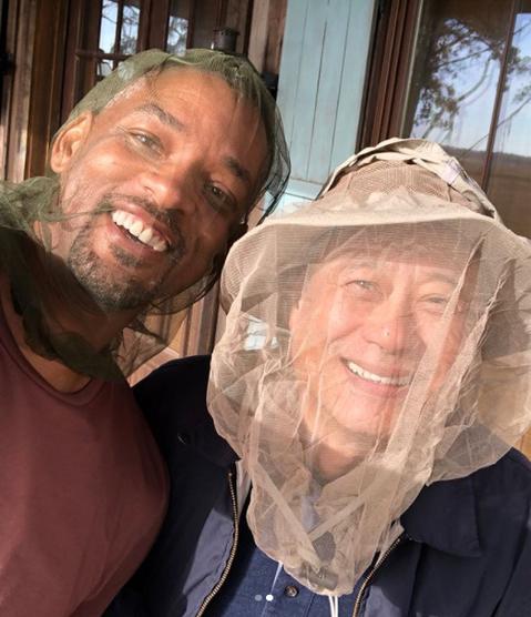 李安最新作品「雙子殺手」在美國喬治亞州開鏡,男主角威爾史密斯將在片中分飾年輕時與現在年紀的自己,還要互相對決,特效場面令人期待。然而開工第一天,威爾史密斯在社群網站分享的花絮卻完全和「高科技」沾不上...