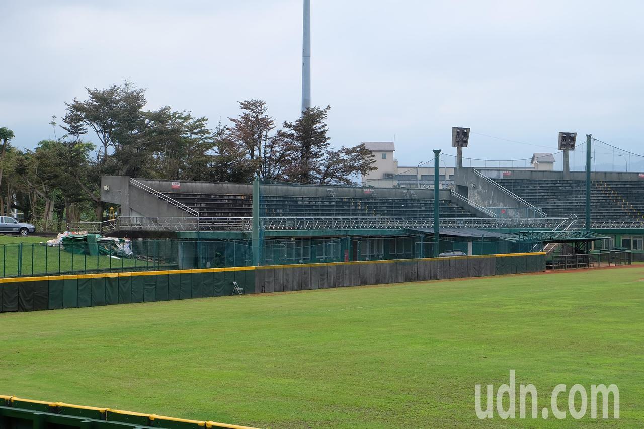 羅東運動公園的棒球場是縣內唯一棒球場,未來觀眾席和球員休息室即將擴建,以求符合正...