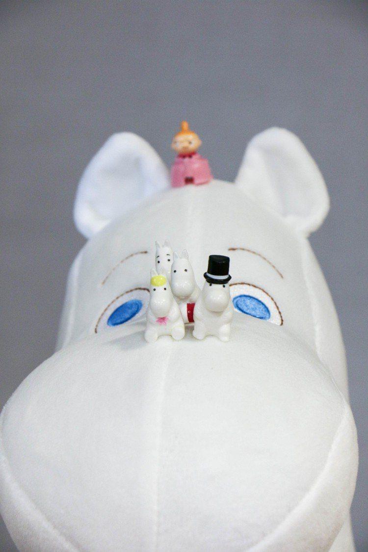 嚕嚕米絨毛玩偶,摸起來柔順。圖/謝欣倫攝影