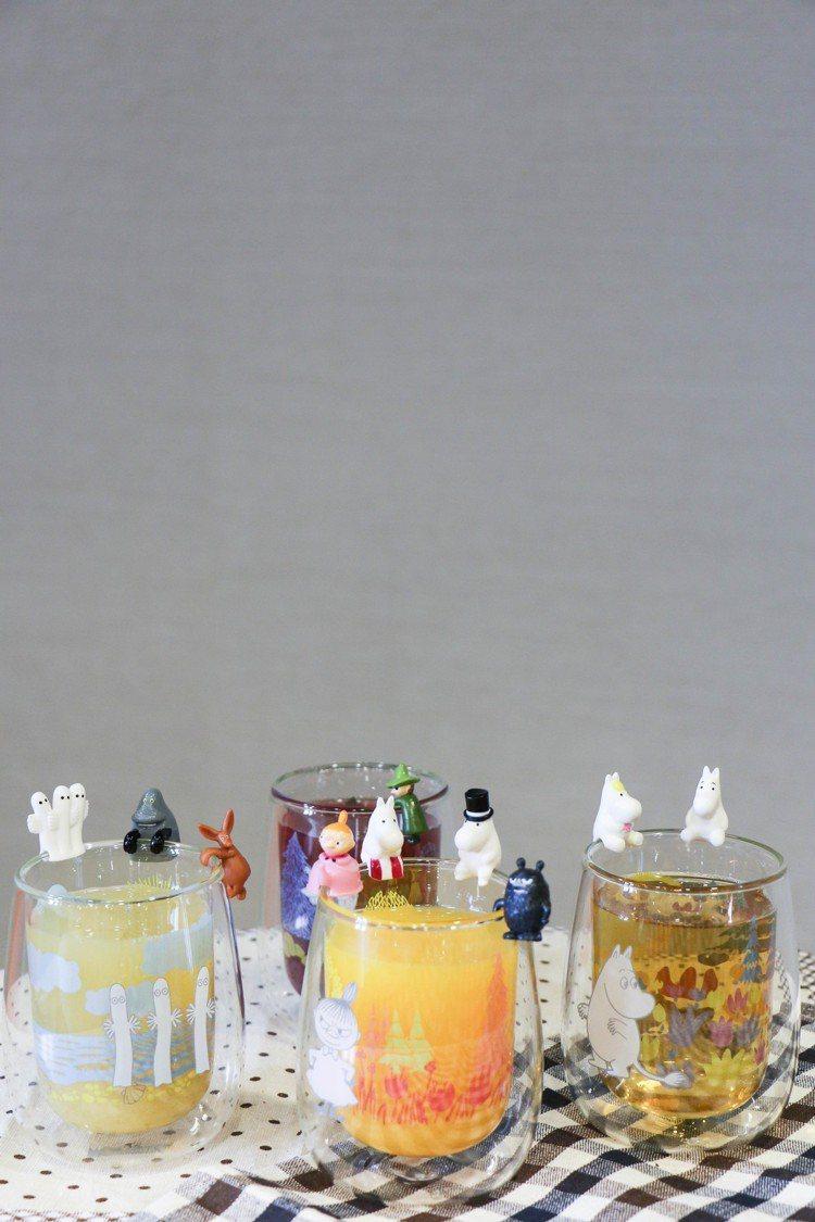 搭配不同顏色的果汁,雙層玻璃杯更繽紛。圖/謝欣倫攝影