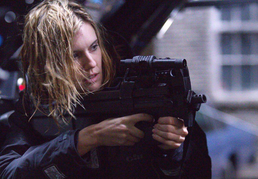 瑪姬葛瑞斯曾在「即刻救援」系列飾演連恩尼遜的女兒,這回自己挑戰多場動作打戲。圖/...