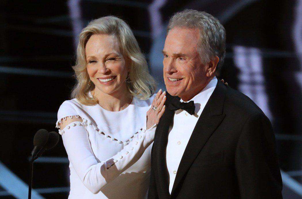 費唐娜薇與華倫比堤據傳將重回今年奧斯卡頒獎典禮,再頒一次最佳影片獎。圖 /路透資...